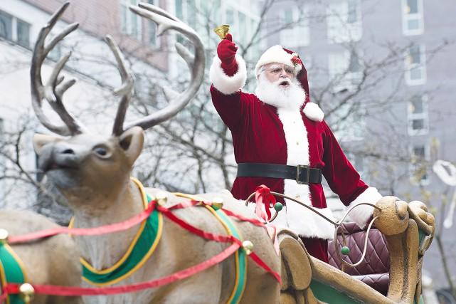 Le défilé du père Noël se déroule à Montréal