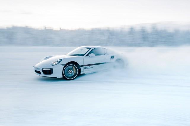 La Porsche 911 Turbo S... (Photo fournie par Porsche)