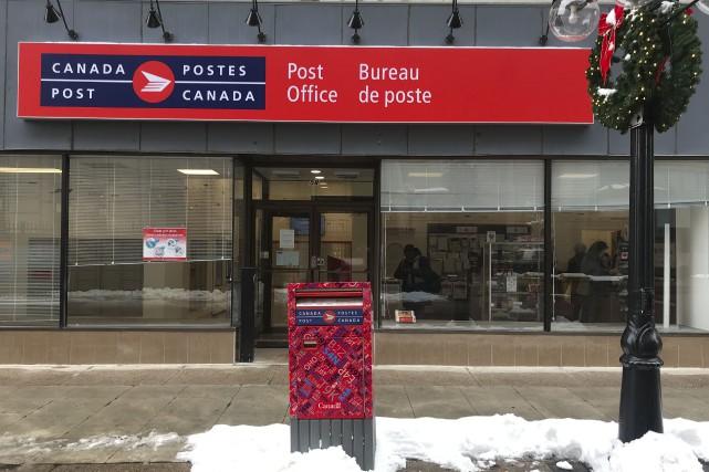 Grève à postes canada: ottawa songe à une loi spéciale pierre