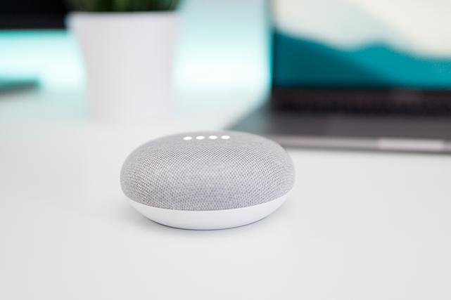 Gadgets de l'heure, les haut-parleurs intelligents équipés d'un assistant vocal...