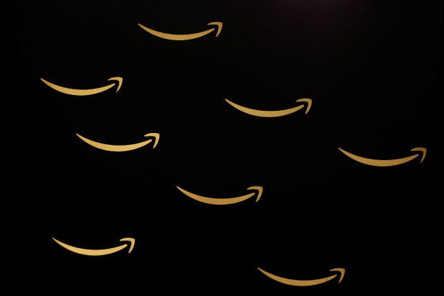 Le géant du commerce en ligne Amazon a révélé mercredi qu'un bogue informatique... (Photo SERGIO PEREZ, REUTERS)