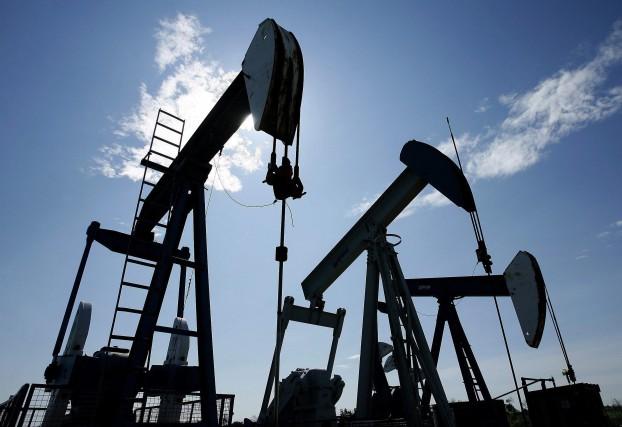 Les investisseurs s'inquiètent d'une surabondance de pétrole sur... (Photo Larry MacDougal, archives La Presse canadienne)
