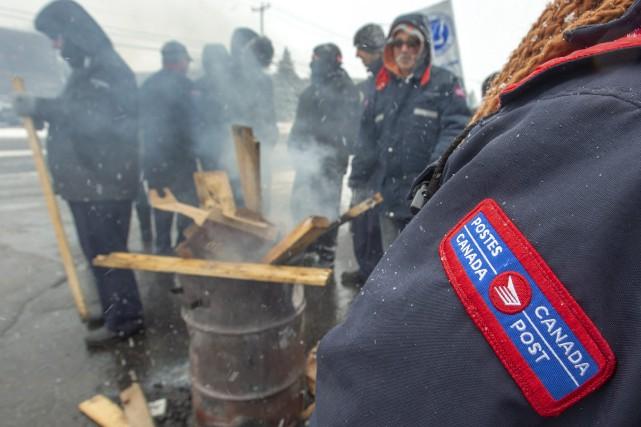 Le Syndicat des travailleurs et des travailleuses des... (Photo RyanRemiorz, La Presse canadienne)