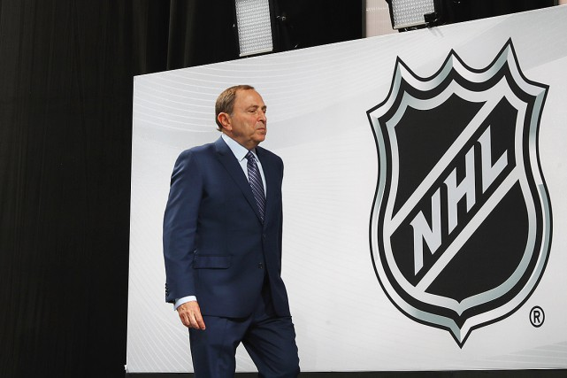 Gary Bettman... (Photo BRUCE BENNETT, archives Agence France-Presse)