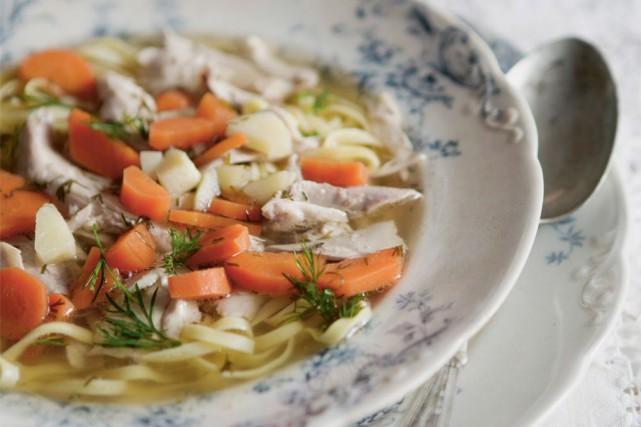 L'hiver... la saison des rhumes et de la soupe au poulet! Commerciale ou... (Photo Cindy Boyce, fournie par les Éditions Cardinal.)