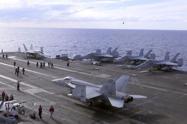Des chasseurs F-18 pris en photo plus tôt... (Photo Richard Columbo, AP)