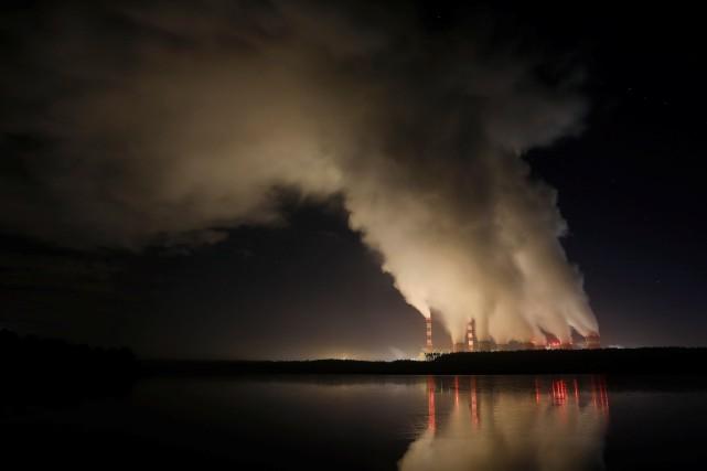 La centrale thermique au charbon polonaise de Belchatow... (Photo KACPER PEMPEL, REUTERS)