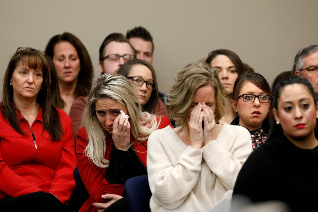 Des proches des victimes de Larry Nassar réagissent... (PHOTO REUTERS)
