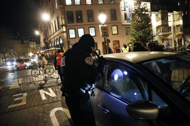 Le tireur présumé de Strasbourg reste introuvable, la police lance un appel à témoins