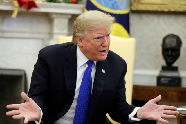 Paralysie des administrations: Trump rejette un compromis