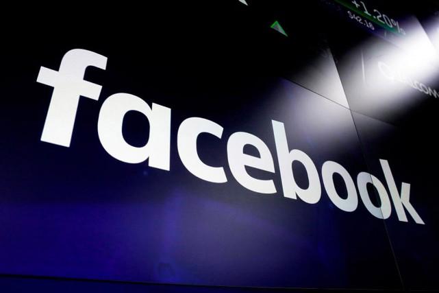 Une demande d'action collective contre Facebook a été déposée à la Cour... (Photo Richard Drew, archives Associated Press)