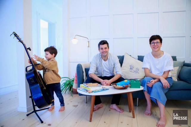 La famille vit dans un condo d'environ 1000pi2dans... (Photo Alain Roberge, La Presse)