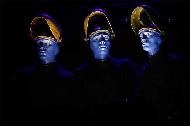 Blue Man Group à Singapour, en 2016... (PHOTO WONG MAYE-E, ARCHIVES ASSOCIATED PRESS)