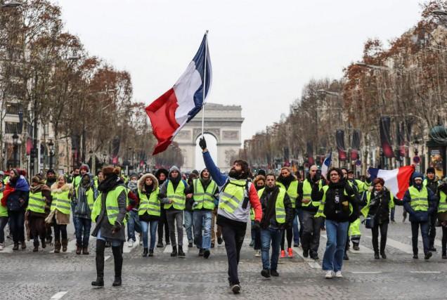 Manifestation des gilets jaunes à Paris le 15... (PHotoZakaria ABDELKAFI, Agence France-Prese)