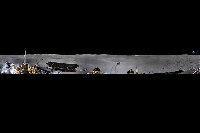 Les clichés montrent une surface rocailleuse et les... (Photo CHINA NATIONAL SPACE ADMINISTRATION VIA AFP)