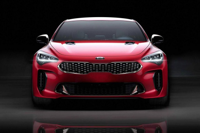 Kia Stinger... (Photo fournie par Kia)