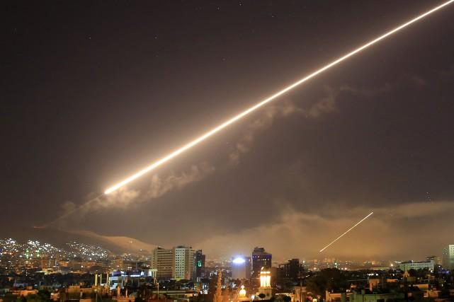 L'aéroport de Damas aurait été touché, selon les... (Photo Hassan Ammar, archives AP)