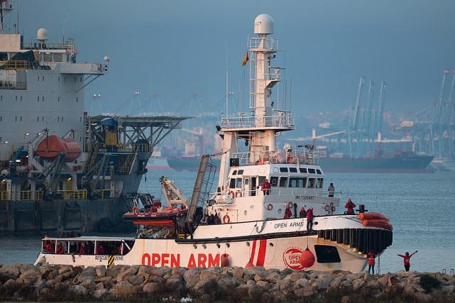 Le navire Open Arms a accosté le 28décembre... (Photo JORGE GUERRERO, archives Agence France-Presse)