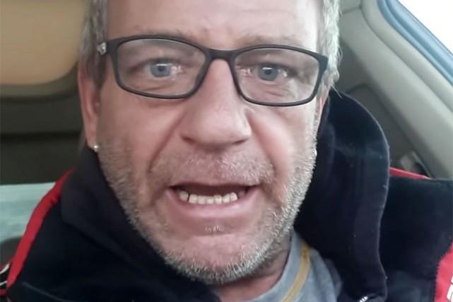 PierreDion, dans une vidéo pour laquelle il a... (Photo tirée de la vidéo de PierreDion publiée sur YouTube)