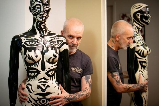 L'artiste visuel multidisciplinaire de 62 ans Zïlon connaît... (Photo David Boily, La Presse)