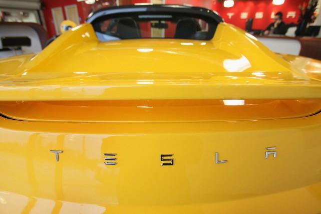 Tesla a acquis un fabricant de composants de... (Photo SCOTT OLSON, AFP)