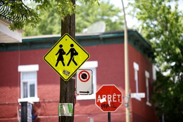 Montréal se penchera sur la sécurité des écoliers se rendant à l'école à pied.... (PHOTO SARAH MONGEAU-BIRKETT, archives LA PRESSE)