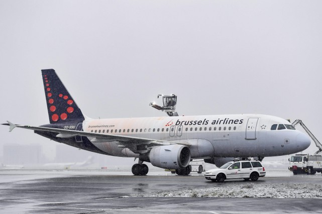 La compagnie belge de transport aérien, Brussels Airlines,... (Photo DIRK WAEM, archives AFP)