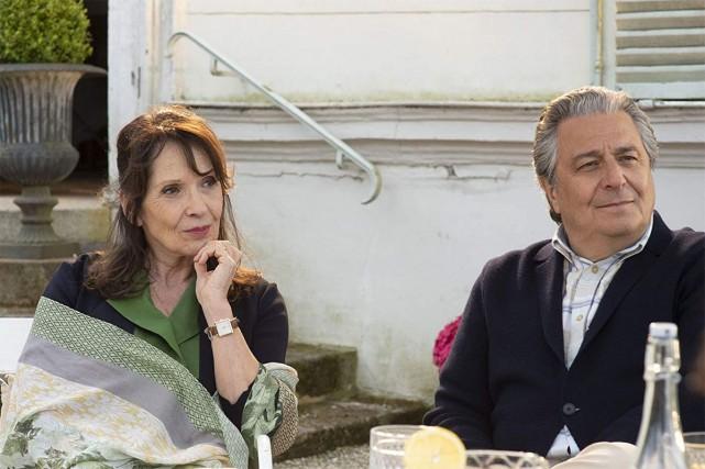 Chantal Lauby et Christian Clavier dans Qu'est-ce qu'on... (Photo tirée d'IMDB)