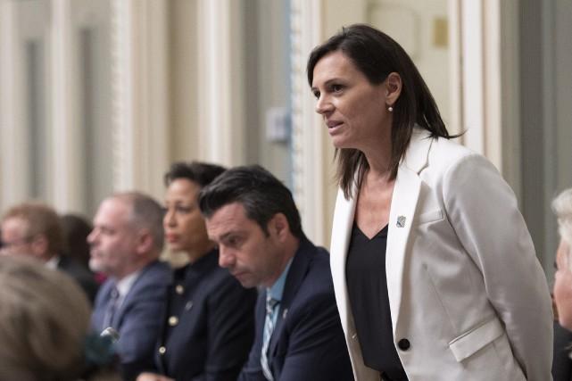 Violence dans le sport: la ministre Charest prend la situation «très au sérieux»
