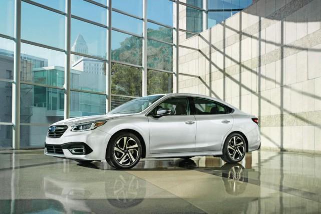La septième génération de la Subaru Legacy... (Photo fournie par Subaru)