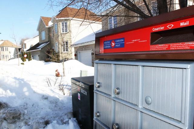 Trente centimètres de neige ou plus sont tombés... (Photo Étienne Ranger, archives  Le Droit)