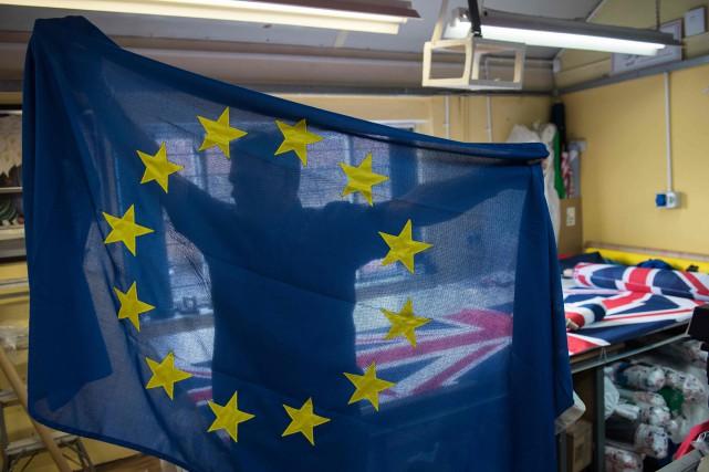 Brexit: May va parler aux dirigeants de tous les États membres de l'UE