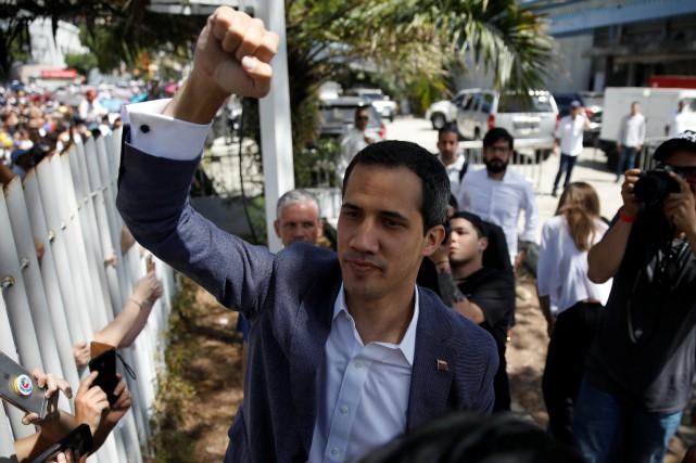 Juan Guaidó a réitéré son appel aux militaires... (PHOTO AFP)