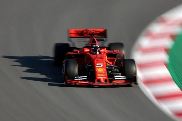 Sebastien Vettel, au volant de sa Ferrari, lors... (Photo ALBERT GEA, REUTERS)