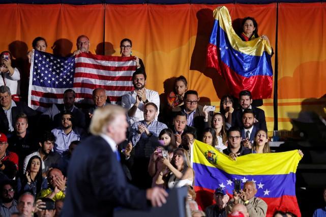 nouvel ordre mondial | Donald Trumpmet en garde les chefs militaires vénézueliens