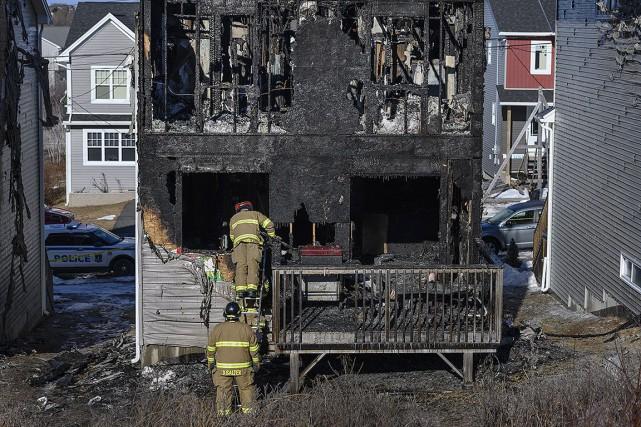Sept enfants d'une même famille périssent dans un incendie à Halifax