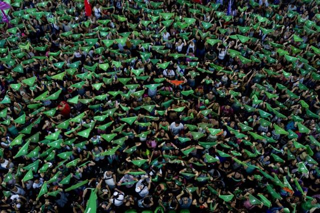 En Argentine, les «foulards verts» manifestent pour l'avortement