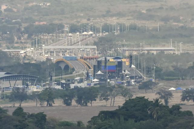 La marine vénézuélienne menace de tirer sur un navire parti de Porto Rico