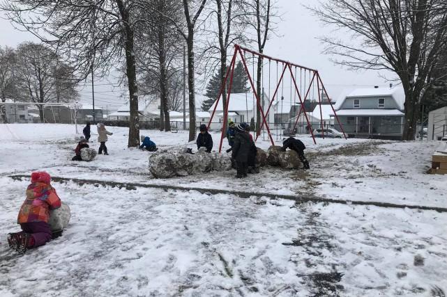 À l'école primaire des Quatre-Vents à Saint-Apollinaire, dans... (Photo tirée de la page Facebook de l'École des Quatre-Vents)