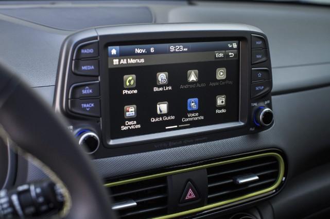 L'écran du système d'infodivertissement Uvo de Hyundai et... (PHOTO HYUNDAI, VIA AP)