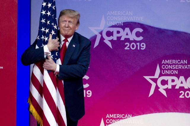 Donald Trump en mode campagne devant les conservateurs du CPAC