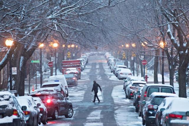 La première neige du 13 novembre, à Montréal.... (PHOTO PATRICK SANFAÇON, ARCHIVES LA PRESSE)