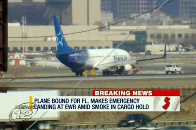 La Federal Aviation Administration a indiqué qu'un «possible... (CAPTURE D'ÉCRAN ASSOCIATED PRESS)