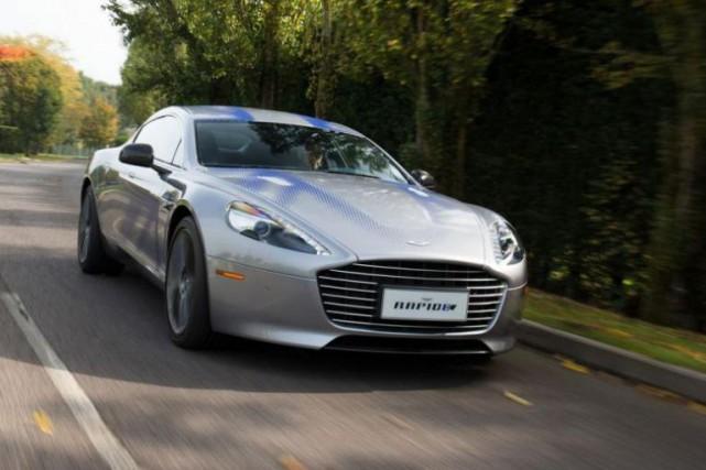 James Bond conduira uneAston Martin RapideE dans le... (PHOTO FOURNIE PARPRODRIVE)