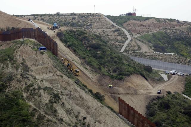 Le Congrès rejette le financement d'urgence du mur frontalier de Trump