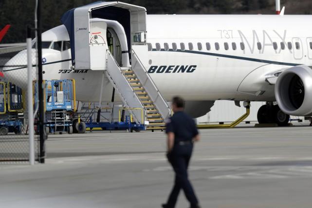 Boeing suspend les livraisons des 737 MAX, mais continue leur production
