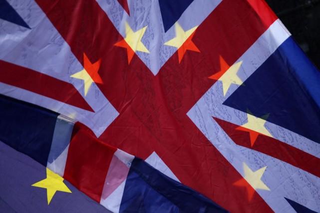 «L'économie britannique, déjà perturbée, va vraisemblablement se détériorer... (PHOTO DANIEL LEAL-OLIVAS, ARCHIVES AGENCE FRANCE-PRESSE)