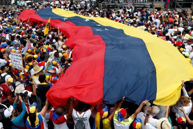 Le journaliste allemand Billy Six a été libéré vendredi au Venezuela après... (PHOTO CARLOS GARCIA RAWLINS, REUTERS)