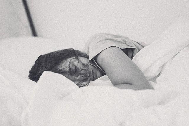 « On ne peut pas forcer le sommeil. Plus on essaie, plus on s'éveille, moins on...