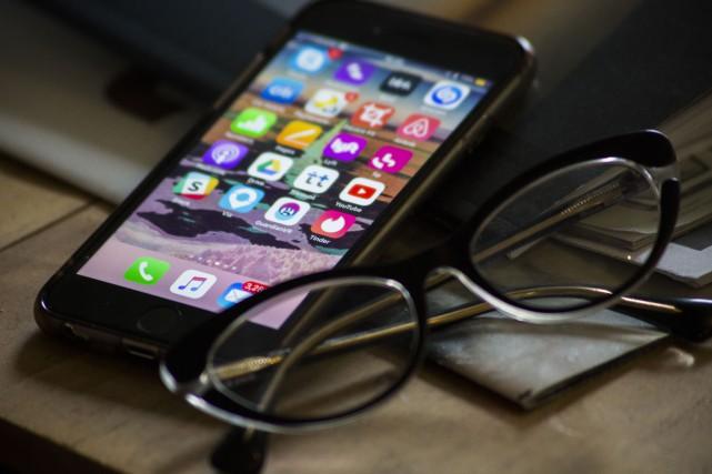 Une consultation avec son médecin par téléphone intelligent pour s'assurer... (PHOTO GAIASQUARCI, BLOOMBERG)